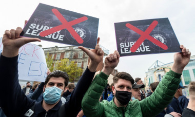 Chelsea supporters protest against European Super League, LONDON, UK - 20 Apr 2021