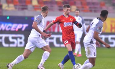 Florin Tănase, în FCSB - Academica Clinceni / Foto: Sport Pictures