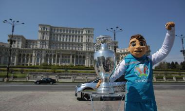 TROFEUL_UEFA_EURO_07INQUAM_Octav_Ganea