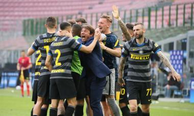 Antonio Conte și fotbaliștii lui Inter / Foto: Profimedia