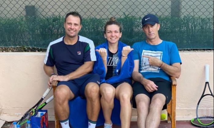 Simona Halep, alături de Artemon Apostu-Efremov și Darren Cahill / Foto: Facebook@Simona Halep