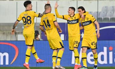 Dennis Man, Valentin Mihăilă, Jasmin Kurtic și Roberto Inglese, în meciul Fiorentina - Parma / Foto: Profimedia