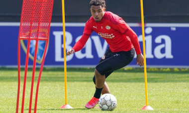 EINDHOVEN, NETHERLANDS - APRIL 28: Donyell Malen of PSV Eindhoven during a Training Session of PSV Eindhoven at PSV Campus de Herdgang on April 28, 2021 in Eindhoven, Netherlands. (Photo by Jeroen Meuwsen/Orange Pictures) Credit: Orange Pics BV/Alamy Live