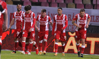 Fotbaliștii lui Dinamo, în meciul cu Hermannstadt / Foto: Sport Pictures