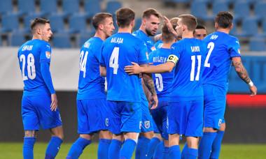 Fotbaliștii Universității Craiova, într-un meci cu Viitorul Pandurii Târgu Jiu / Foto: Sport Pictures