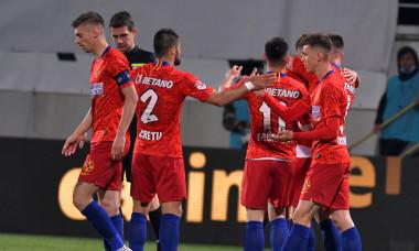 Fotbaliștii de la FCSB, în meciul FCSB - Academica Clinceni / Foto: Sport Pictures