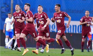 Fotbaliștii de la CFR Cluj, în meciul cu Universitatea Craiova / Foto: Sport Pictures