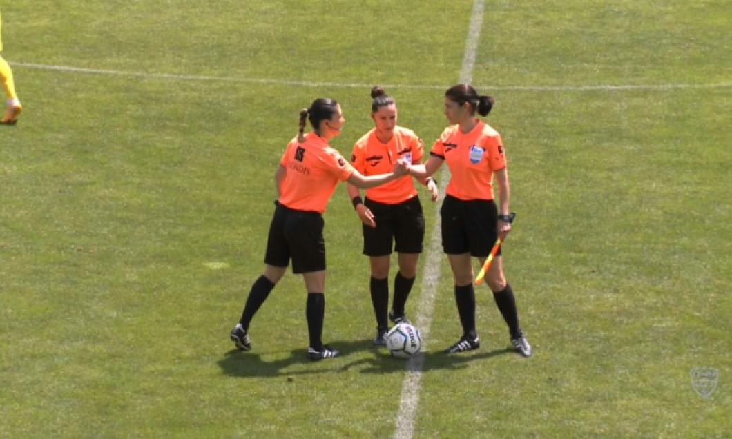 Brigada de arbitri de la CS Mioveni - Rapid / Foto: Sport Pictures