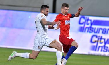 Florin Tănase și Andrei Burcă, în FCSB - CFR Cluj / Foto: Sport Pictures