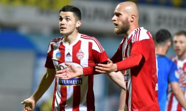 Andrei Dumiter și Branislav Ninaj, fotbaliștii lui Sepsi / Foto: Sport Pictures