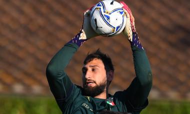 Gianluigi Donnarumma, în timpul unui antrenament la naționala Italiei / Foto: Getty Images