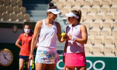 Irina Begu, alături de Nadia Podoroska, la Roland Garros / Foto: Profimedia