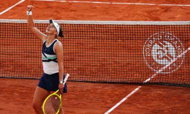 Barbora Krejcikova, după victoria cu Maria Sakkari de la Roland Garros / Foto: Profimedia