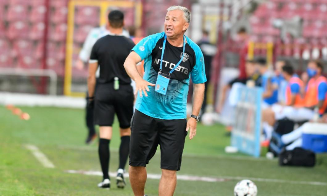 Dan Petrescu, în perioada în care antrena la CFR Cluj / Foto: Sport Pictures