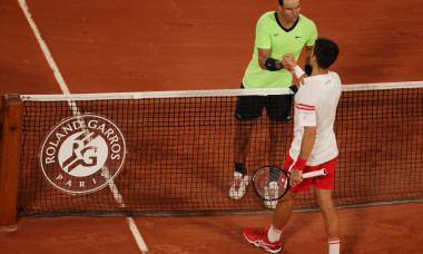 Novak Djokovic și Rafael Nadal, după meciul direct de la Roland Garros / Foto: Getty Images