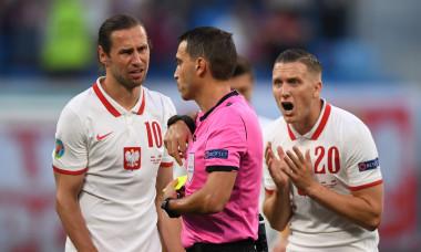 Ovidiu Hațegan, în meciul Polonia - Slovacia de la EURO 2020 / Foto: Getty Images