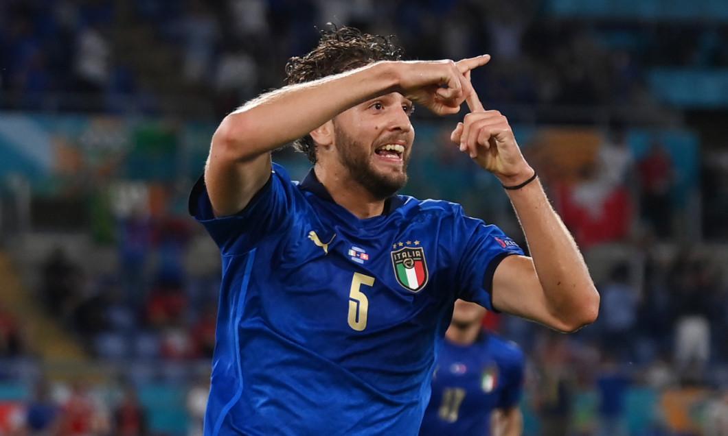Manuel Locatelli, după un gol marcat în meciul Italia - Elveția / Foto: Getty Images
