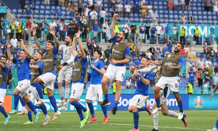 Fotbaliștii Italiei, după meciul cu Țara Galilor / Foto: Getty Images