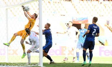 Martin Dubravka și-a marcat în propria poartă în meciul Slovacia - Spania / Foto: Getty Images