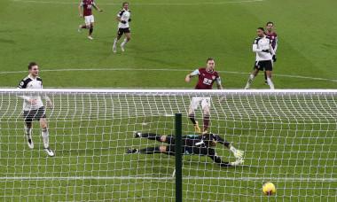Burnley v Fulham - Premier League