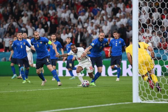 Raheem Sterling a cerut un penalty în meciul cu Italia / Foto: Getty Images