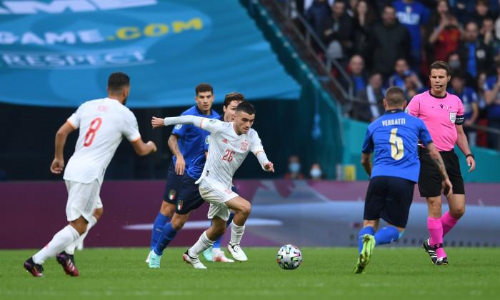 Pedri, cel mai bun tânăr jucător de la EURO 2020, în meciul Italia - Spania / Foto: Profimedia