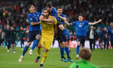 Fotbaliștii Italiei, după victoria cu Anglia / Foto: Getty Images