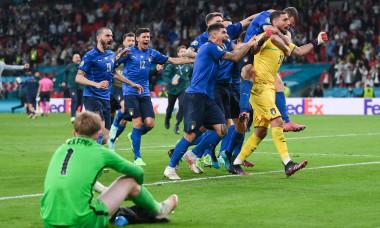Gianluigi Donnarumma, alături de coechipierii din naționala Italiei după victoria cu Anglia / Foto: Getty Images
