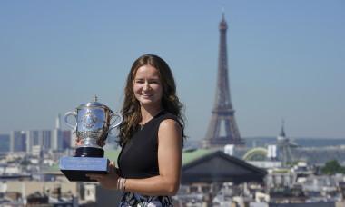 Barbora Krejcikova, cu titlul cucerit la Roland Garros / Foto: Getty Images