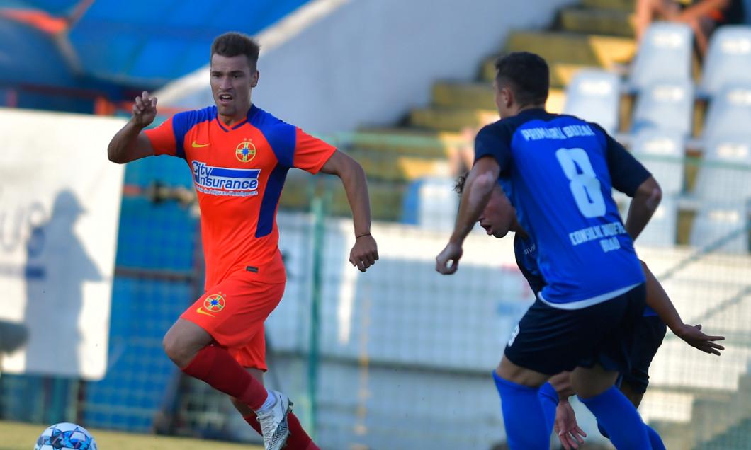 Darius Olaru, în meciul amical FC Buzău - FCSB / Foto: Sport Pictures