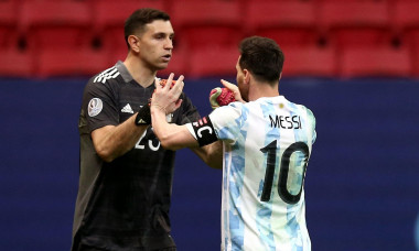 BRASILIA, BRAZIL - JULY 06: Emiliano Martinez and Lionel Messi of Argentina during a Penalty Shootout ,in the Semifinal match between Argentina and Colombia as part of Conmebol Copa America Brazil 2021 at Mane Garrincha Stadium on July 6, 2021 in Brasilia