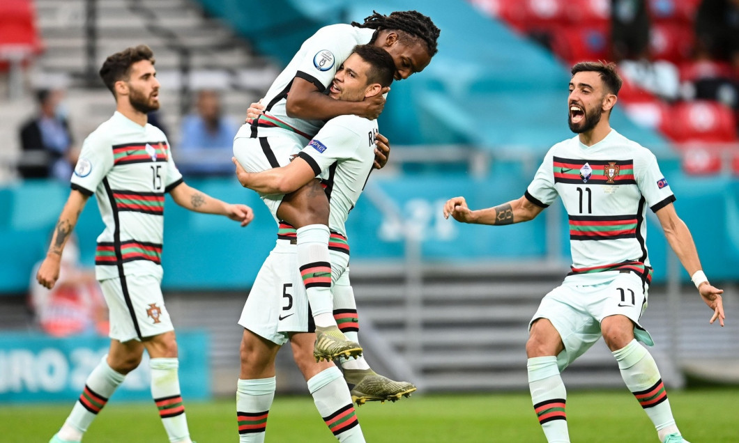 15 June 2021, Hungary, Budapest: CORRECTING PLAYERS NAME - Football: European Championship, Hungary - Portugal, preliminary round, Group F, Matchday 1 at Pusks Arena. Portugal's Rafa Silva (l-r), Portugals Renato Sanches, Portugal's Raphael Guerreiro and
