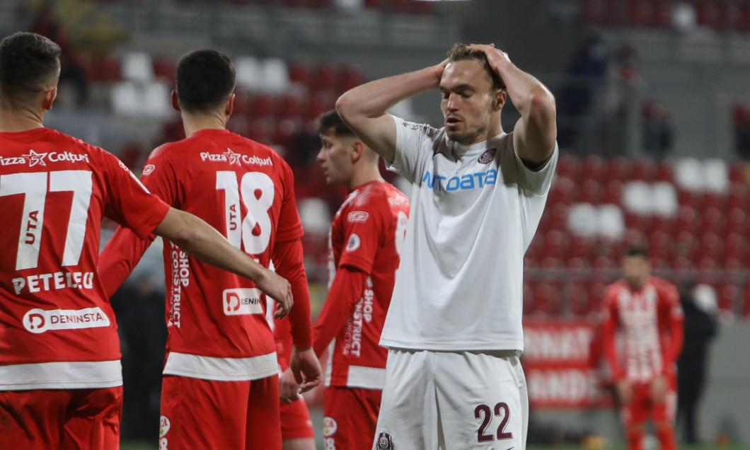 Gabriel Debeljuh, într-un meci UTA Arad - CFR Cluj / Foto: Sport Pictures