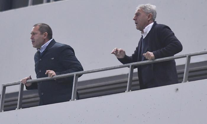 """Pavel Badea și Sorin Cârțu, în tribunele arenei """"Ion Oblemenco"""" / Foto: Sport Pictures"""