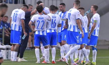 Laurențiu Reghecampf și fotbaliștii de la Universitatea Craiova, în meciul cu Laci / Foto: Sport Pictures