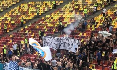 Banner-ul afișat de constănțeni la meciul cu Rapid / Foto: Digi Sport