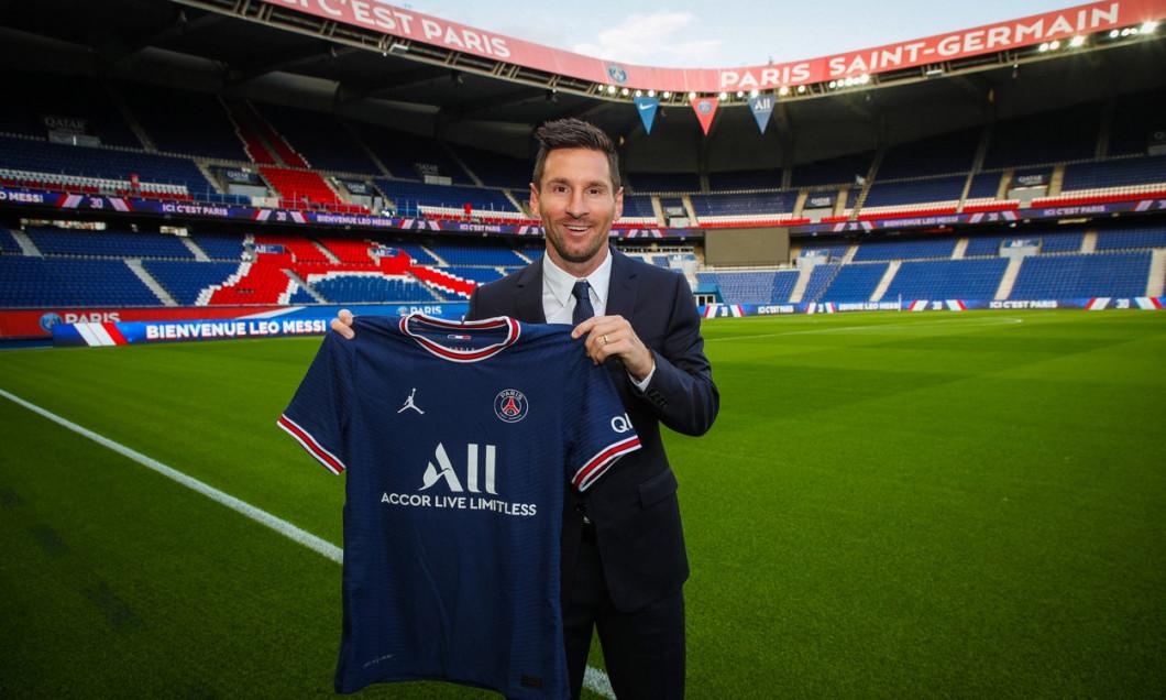 Lionel Messi Unveiling Press Conference - Paris