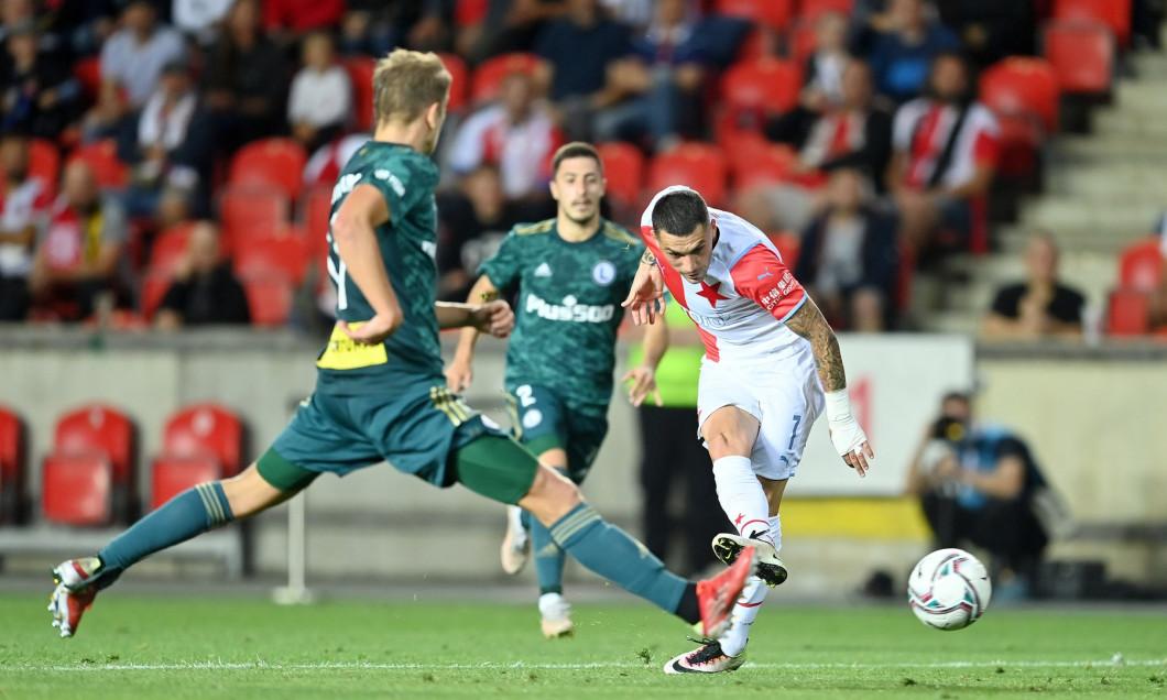 Fotbal - Evropská liga 21/22 - Play off - Slavia - Legia Varšava (v zeleném)