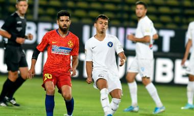 Lyes Houri, într-un meci Viitorul - FCSB / Foto: Sport Pictures