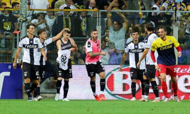 Valentin Mihăilă, după golul marcat în Parma - Benevento / Foto: Profimedia