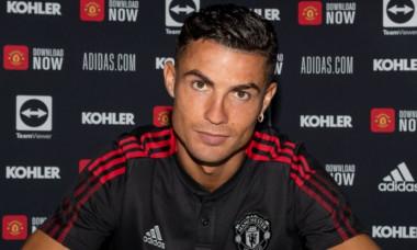 Cristiano Ronaldo a semnat pe 2 ani cu Manchester United / Foto : Twitter@Man Utd