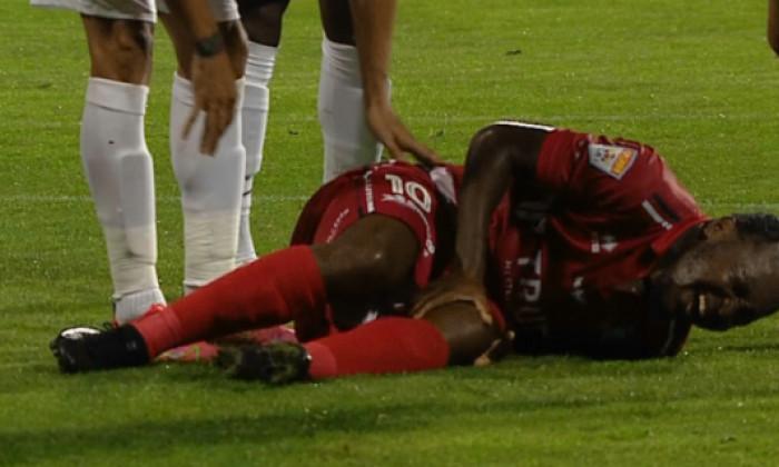 Hervin Ongenda, accidentat de Emmanuel Culio în FC Botoșani - CFR Cluj / Foto: Captură Digi Sport