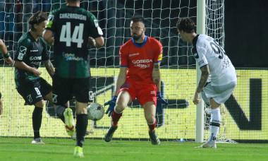 Dennis Man, în meciul Pordenone - Parma / Foto: Profimedia