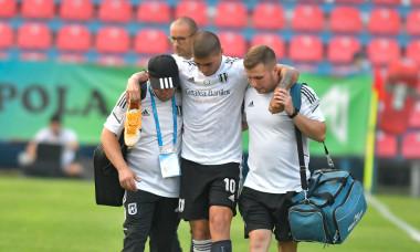Juan Bauza, după accidentarea suferită la Voluntari / Foto: Sport Pictures