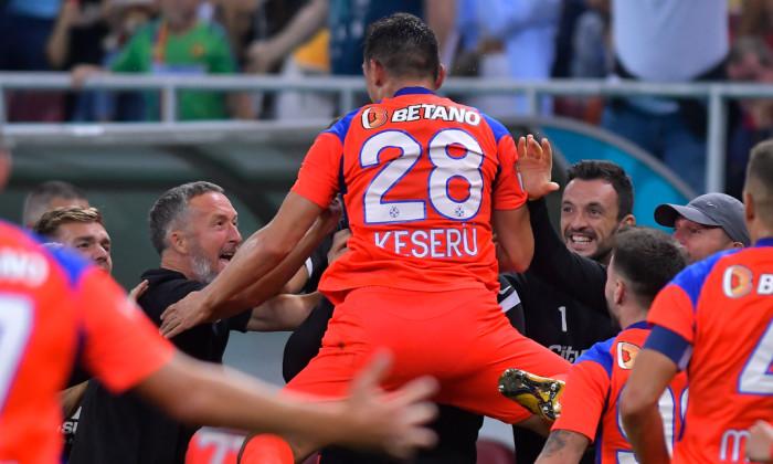 Claudiu Keșeru, după golul marcat în FCSB - Dinamo / Foto: Sport Pictures