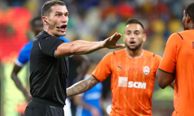 KYIV, UKRAINE - AUGUST 10: Referee Istvan Kovacs during the UEFA Champions League: Third Qualifying Round Leg Two match between Shakhtar Donetsk and KRC Genk at NSK Olimpiejsky on August 10, 2021 in Kyiv, Ukraine (Photo by Andrey Lukatsky/Orange Pictures)