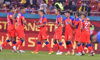 Fotbaliștii de la FCSB, în meciul cu Academica Clinceni / Foto: Sport Pictures