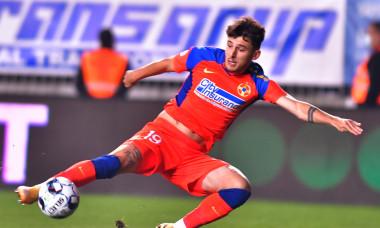 Ianis Stoica, în meciul dintre Chindia și FCSB / Foto: Sport Pictures