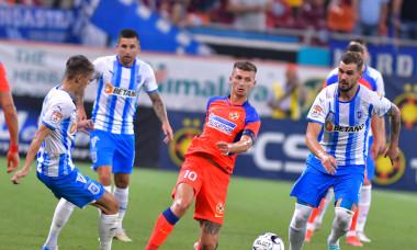 Florin Tănase, într-un meci FCSB - Universitatea Craiova / Foto: Sport Pictures