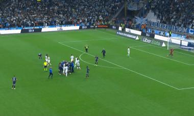 Un fan a intrat pe teren la OM - PSG / Foto: Captură Digi Sport